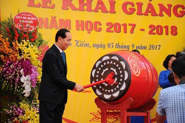Chủ tịch nước Trần Đại Quang đánh trống khai giảng năm học mới - 2