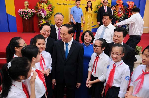 Chủ tịch nước Trần Đại Quang đánh trống khai giảng năm học mới - 3