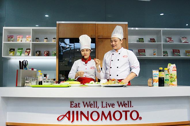 """Khó tin lớp học nấu nướng miễn phí trong căn bếp """"sang chảnh"""" nhất Hà Nội - 6"""