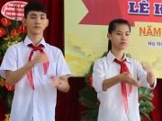 Giáo dục - du học - Xúcđộng lễ khai giảng khi HS hát Quốc ca bằng cách đặc biệt này