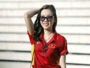 Bóng đá - ĐT Việt Nam đấu Campuchia: Fan nữ xinh nhuộm đỏ sân Olympic