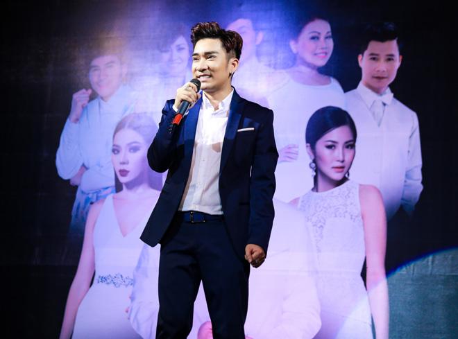 Hoài Linh giả gái làm vợ Quang Hà trong liveshow tiền tỷ - 1