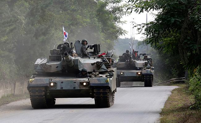 Xe tăng Hàn Quốc rầm rộ áp sát biên giới Triều Tiên - 1