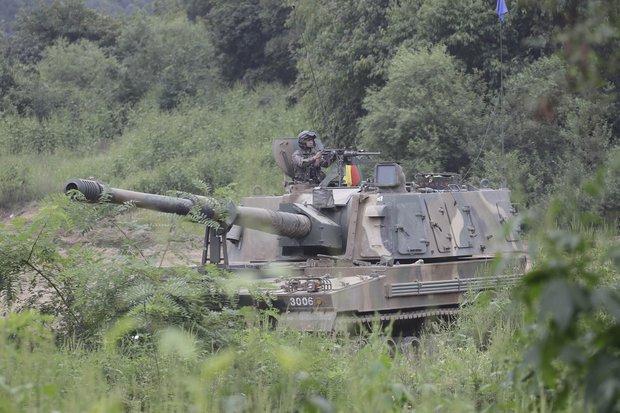 Xe tăng Hàn Quốc rầm rộ áp sát biên giới Triều Tiên - 2