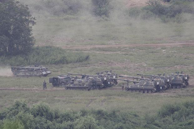 Xe tăng Hàn Quốc rầm rộ áp sát biên giới Triều Tiên - 3