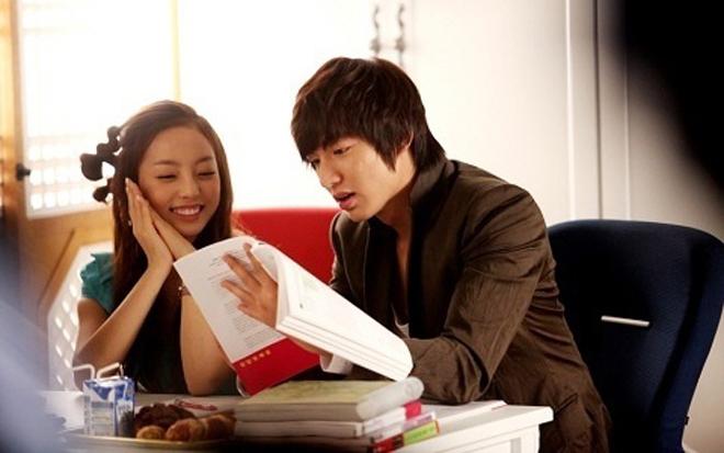 """Mỹ nhân """"yêu đơn phương Lee Min Ho"""" đổi khác sau 6 năm - 1"""