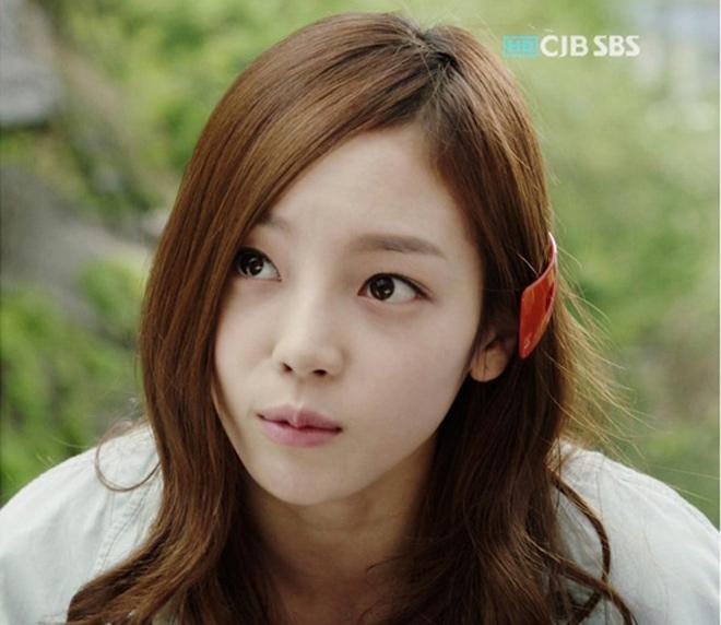 """Mỹ nhân """"yêu đơn phương Lee Min Ho"""" đổi khác sau 6 năm - 4"""
