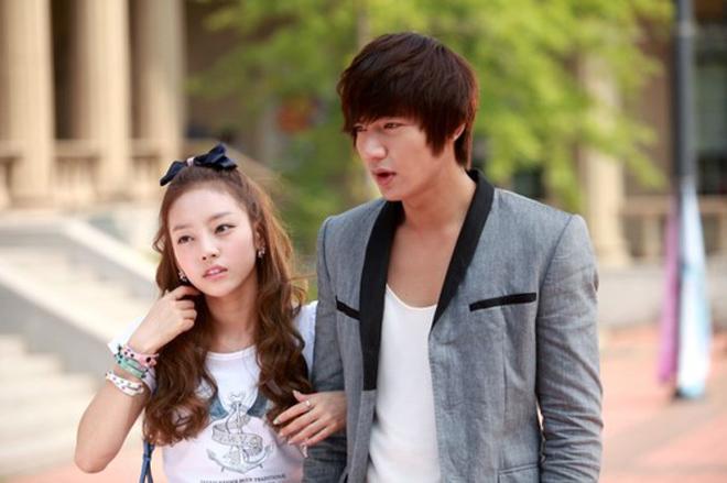 """Mỹ nhân """"yêu đơn phương Lee Min Ho"""" đổi khác sau 6 năm - 2"""