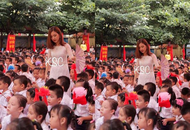 """Và ngày 5/9 vừa qua, hình ảnh cô giáo Hà Nội đứng quạt cho các em nhỏ đang ngồi dự lễ khai giảng một lần nữa  """" gây sốt """"  mạng xã hội. & nbsp;"""