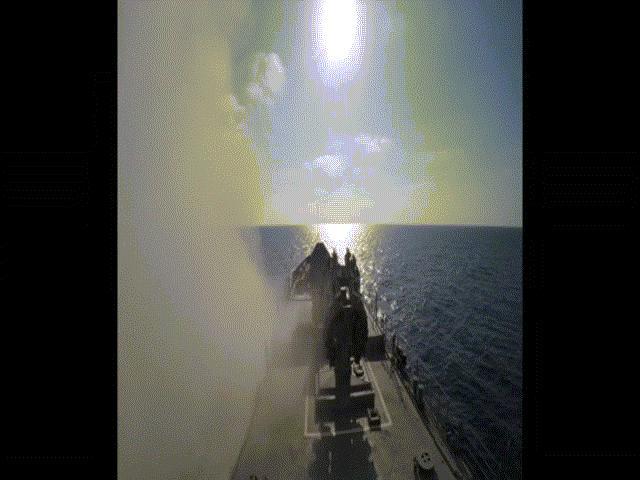 Tàu ngầm Nga nã xối xả tên lửa vào khủng bố IS ở Syria - 2