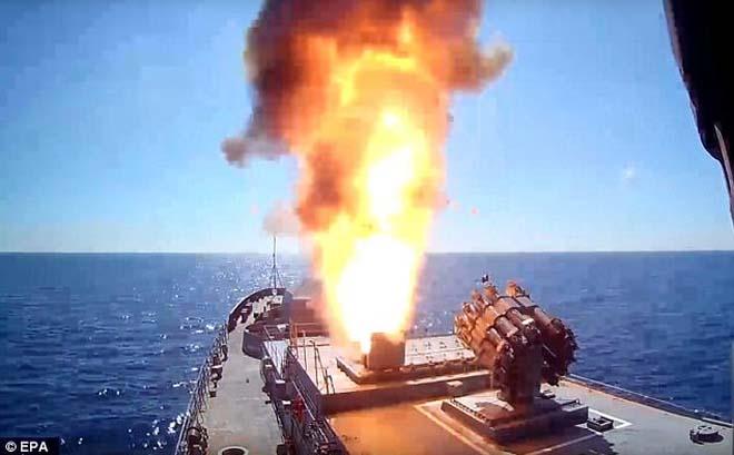Tàu chiến Nga nã tên lửa hành trình diệt khủng bố IS - 1