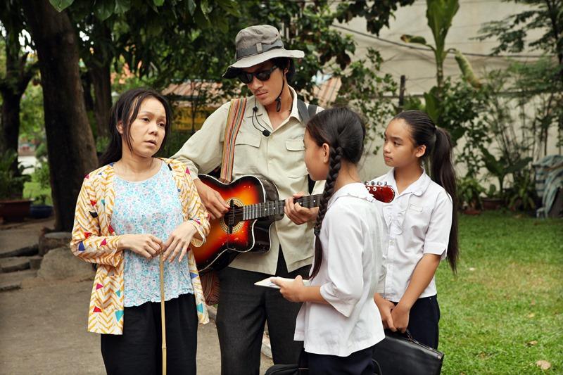 """Chờ phim Việt thoát khỏi hài nhảm: """"Bao giờ mới tới tháng 10?"""" - 3"""