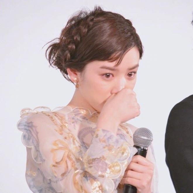 Ngọc nữ 17 tuổi Nhật Bản nổi tiếng nhờ khóc đẹp - 5