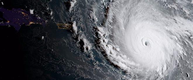 Hải quân Mỹ sơ tán 5.000 binh lính chuẩn bị đón siêu bão mới - 1