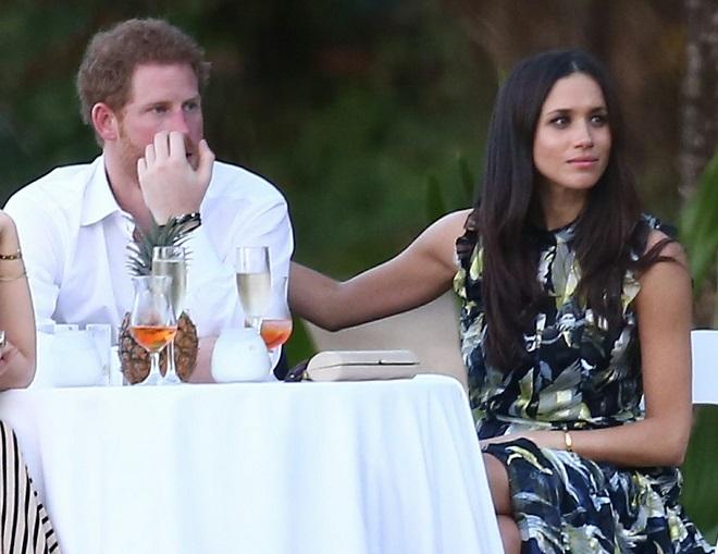 Bạn gái quyến rũ lần đầu nói về Hoàng tử Anh trước báo giới - 4