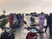 Tin tức trong ngày - Đôi nam nữ đi xe máy bị sét đánh, người chết, người nguy kịch