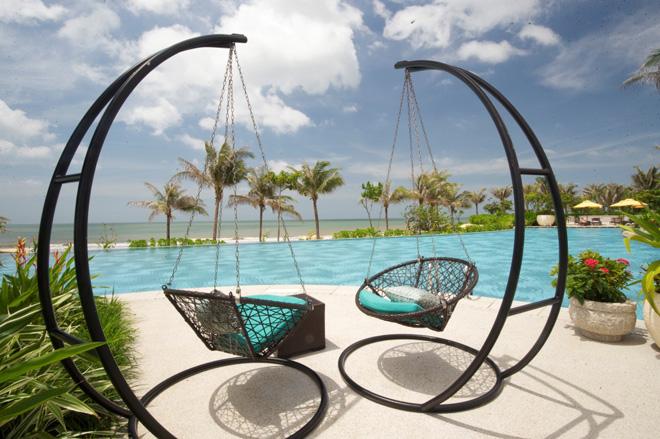 Sống chất, đẹp ảo diệu ở resort chuẩn 5 sao The Grand Hồ Tràm Strip - 1