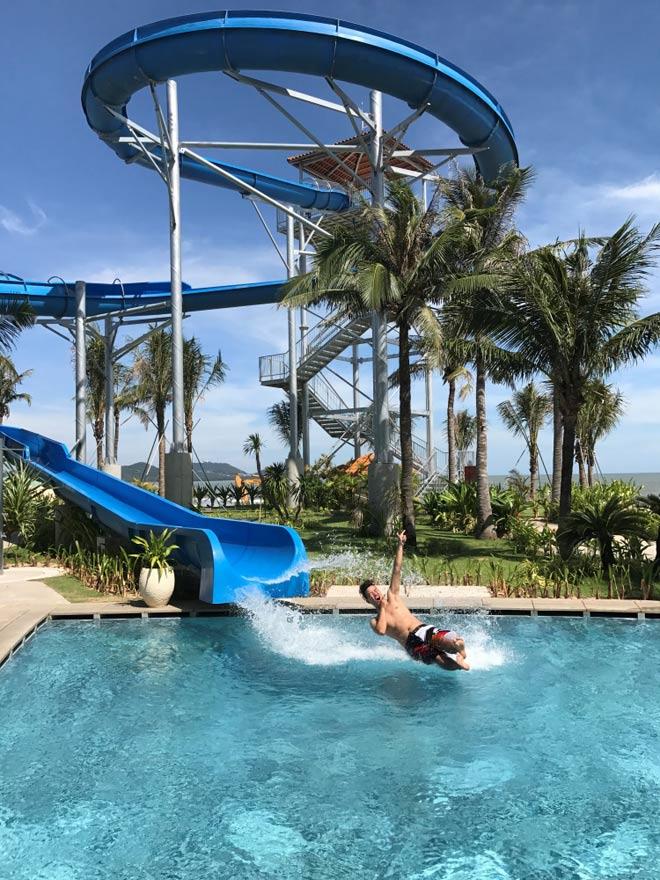 Sống chất, đẹp ảo diệu ở resort chuẩn 5 sao The Grand Hồ Tràm Strip - 3
