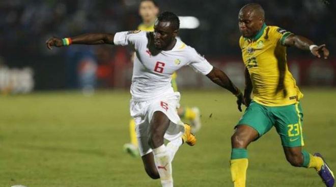 Hy hữu World Cup: Trọng tài bán độ khiến 2 đội phải đá lại - 1