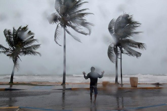 Siêu bão rộng như nước Pháp tiến về Mỹ: Điều gì đang xảy ra? - 2