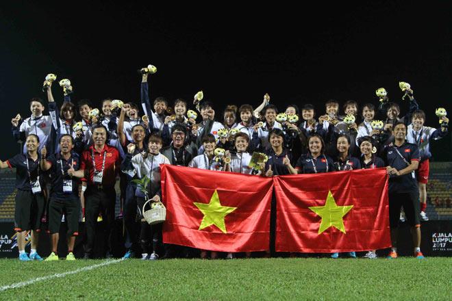 Sự thật vụ cầu thủ nữ VN mang thai vẫn đá SEA Games 29 giành HCV - 2