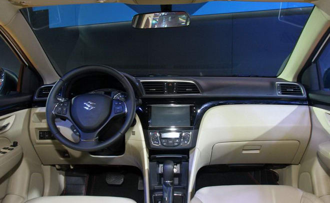 Suzuki Ciaz có bản nâng cấp, bắt mắt hơn hẳn - 2