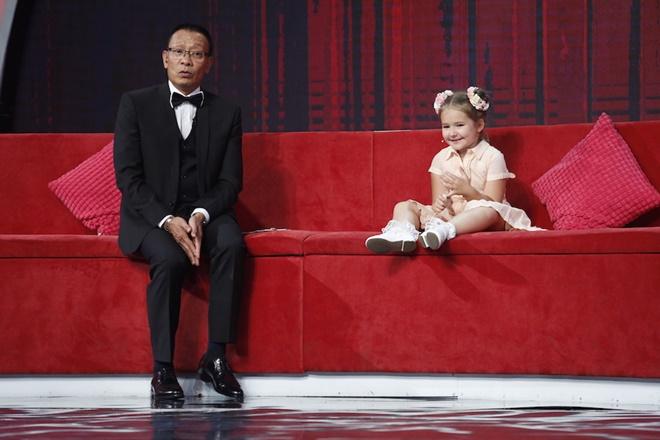 MC Lại Văn Sâm thử thách cô bé Nga 5 tuổi thành thạo 8 thứ tiếng - 1