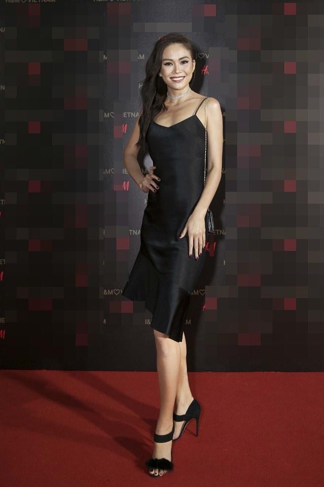 """Angela Phương Trinh lấn át dàn sao bự với váy """"sao trời"""" - 5"""