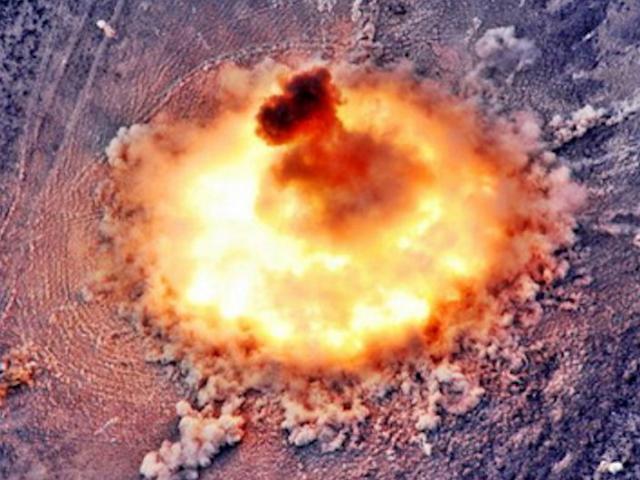 """Nga lần đầu ném """"bố của các loại bom"""" diệt gọn IS ở Syria?"""