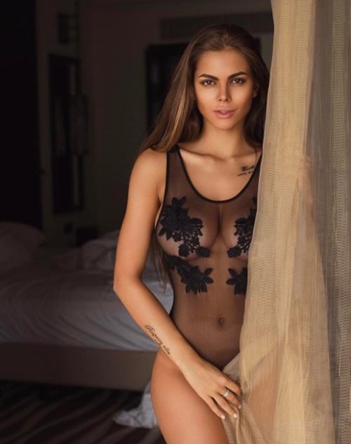 Quên Irina Shayk đi, nước Nga còn lắm mỹ nữ sexy hơn - 4
