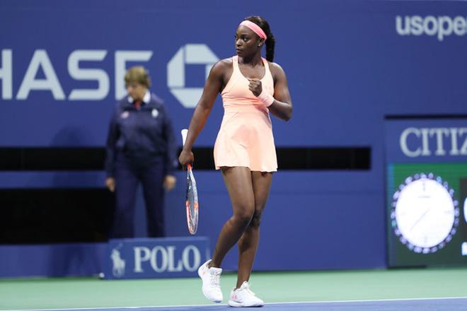 """Clip hot US Open: """"Tiểu Serena"""" lên lưới lốp bóng, Venus vỡ mộng vô địch 1"""
