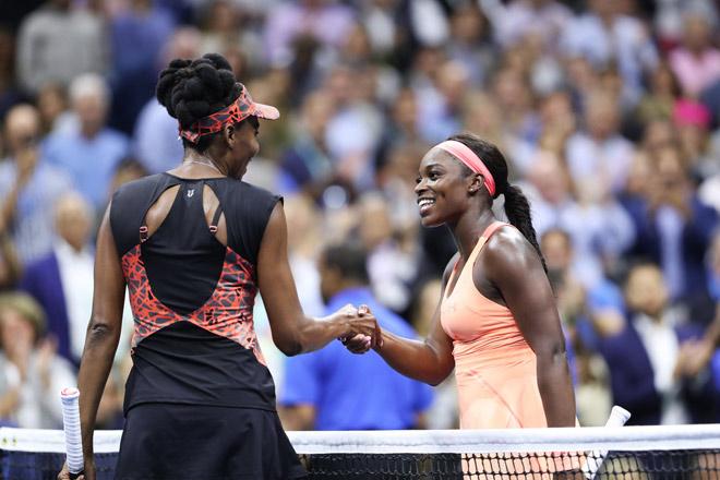 """Clip hot US Open: """"Tiểu Serena"""" lên lưới lốp bóng, Venus vỡ mộng vô địch 2"""