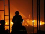 Tin tức trong ngày - 1 chiến sĩ hi sinh, 2 chiến sĩ bị thương khi chữa cháy