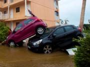 Thế giới - Siêu bão Irma: Xe hơi bay, xe container cũng bay