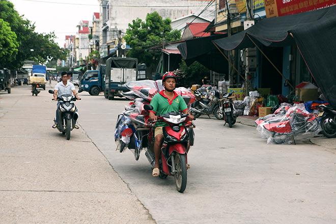 """Đột nhập """"thủ phủ"""" sản xuất """"xe Camry, Lexus"""" lớn nhất Việt Nam"""