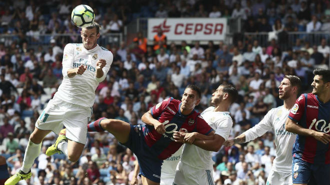 Real Madrid - Levante: Thẻ đỏ oan nghiệt & vận đen ma ám