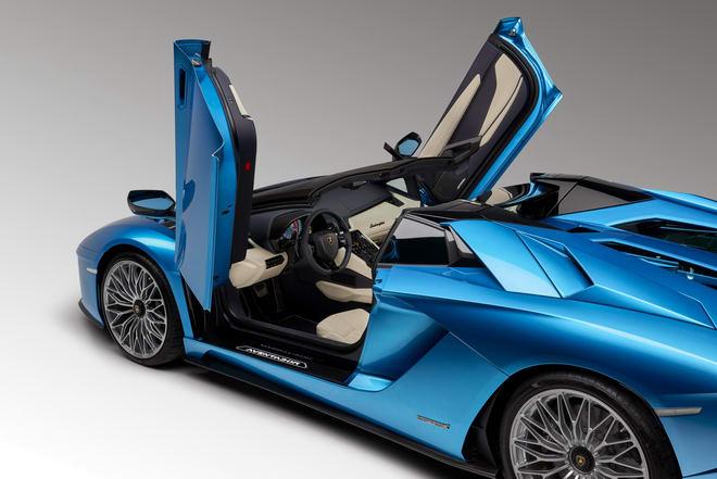 Lamborghini Aventador S Roadster giá từ 8,6 tỷ đồng - 6