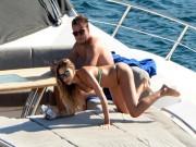 Bồ xinh SAO tuyển Đức mặc bikini đẹp nóng bỏng, cánh mày râu phát hờn