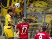 Bóng đá - Freiburg - Dortmund: 63 phút hơn người, sức ép ngàn cân