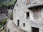 Phi thường - kỳ quặc - Ngôi làng Thụy Sĩ khốn khổ vì không có trẻ em