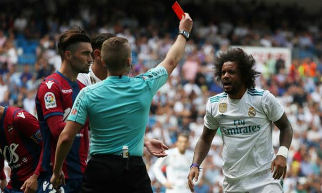 """Real """"lâm bệnh"""" đầu mùa: Vắng Ronaldo, đội bóng nhỏ cũng khó thắng 2"""