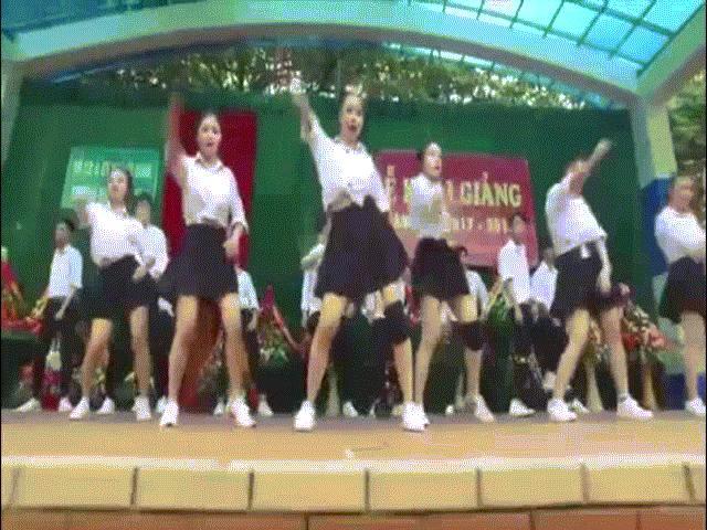 Vũ đạo nóng bỏng của học sinh Quảng Ninh hot nhất tuần