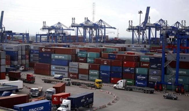 Bắt một cán bộ hải quan vụ 213 container mất tích