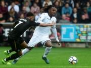 Swansea - Newcastle: Hai khoảnh khắc siêu anh hùng
