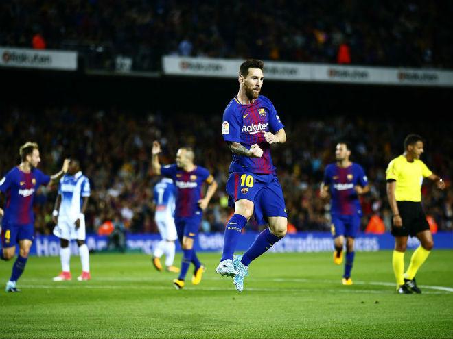"""Barca thăng hoa: Nhờ Messi hay trọng tài """"dìm"""" Real Madrid?"""