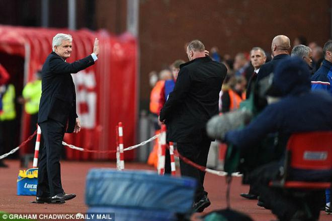 Mourinho về MU vẫn khiếm nhã: Trẻ không tha, già không thương - 1