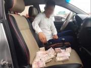 Tin tức trong ngày - Dùng tiền lẻ trả phí quốc lộ 5: Công an hẹn làm việc với một DN