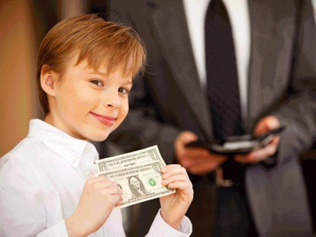Bí kíp dạy con biết tôn trọng tiền bạc theo từng độ tuổi