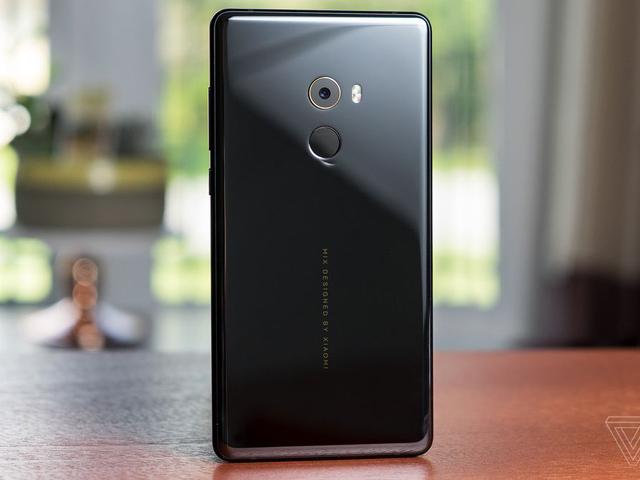 Xiaomi Mi Note 3 vừa ra mắt, giá mềm - 3