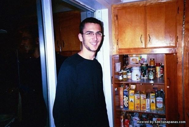Cuộc đời bi thảm của hacker nhí đầu tiên bị kết án tại Mỹ - 1